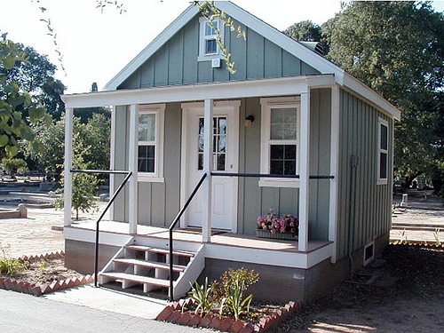 Tuff shed cabins for living little house in the valley for Sheds as houses