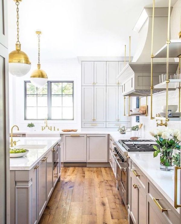 White Painted Wood Floor With Modern Cabinetry: Key Elements Of Modern Farmhouse Kitchens