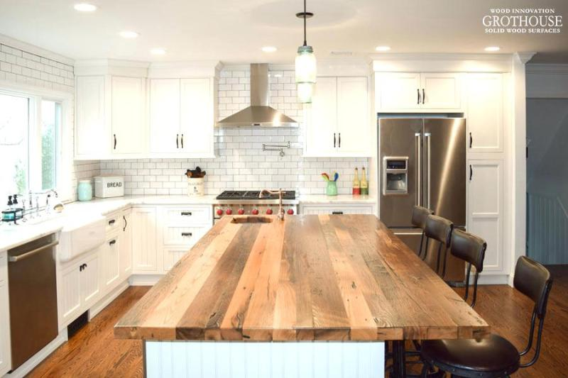How to use Live-edge & Reclaimed Wood for a Farmhouse ...