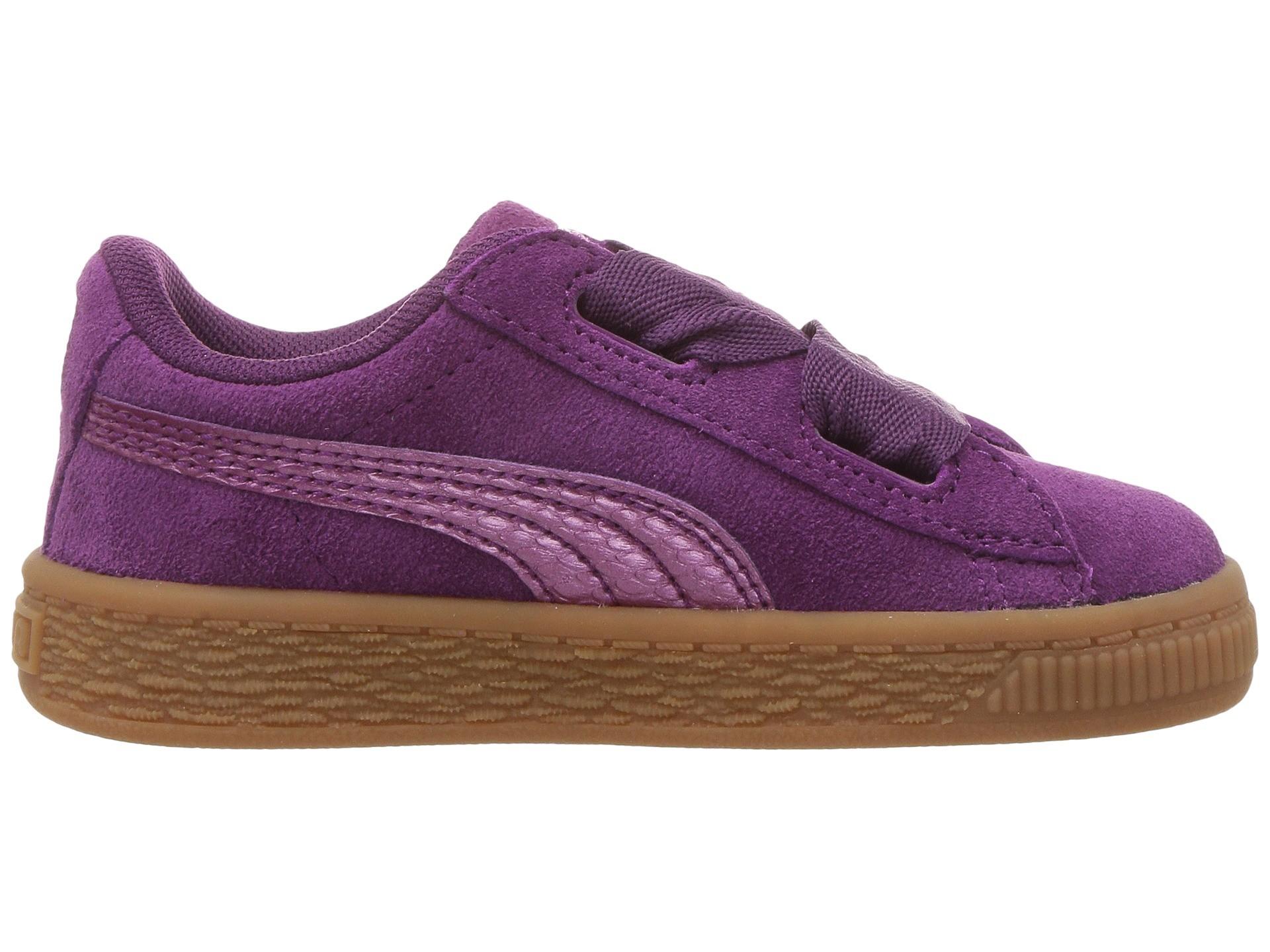 f5ba58a39bb Meisjes Suede Platform sneakers van Puma. Het bovenwerk van de sneaker  bestaat uit suède en heeft een vetersluiting voor een brede veter.