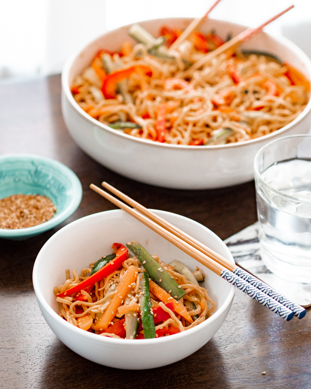 cold sesame noodle salad with crunchy veg