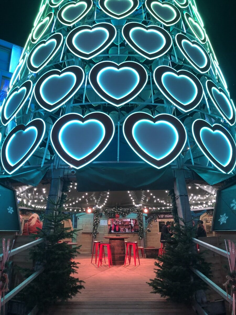 Bar Hutte Liverpool christmas tree