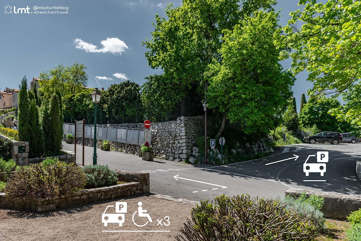 Straight on to handicap parking Gourdon | Little Miss Turtle | Wheelchair Travel Blog