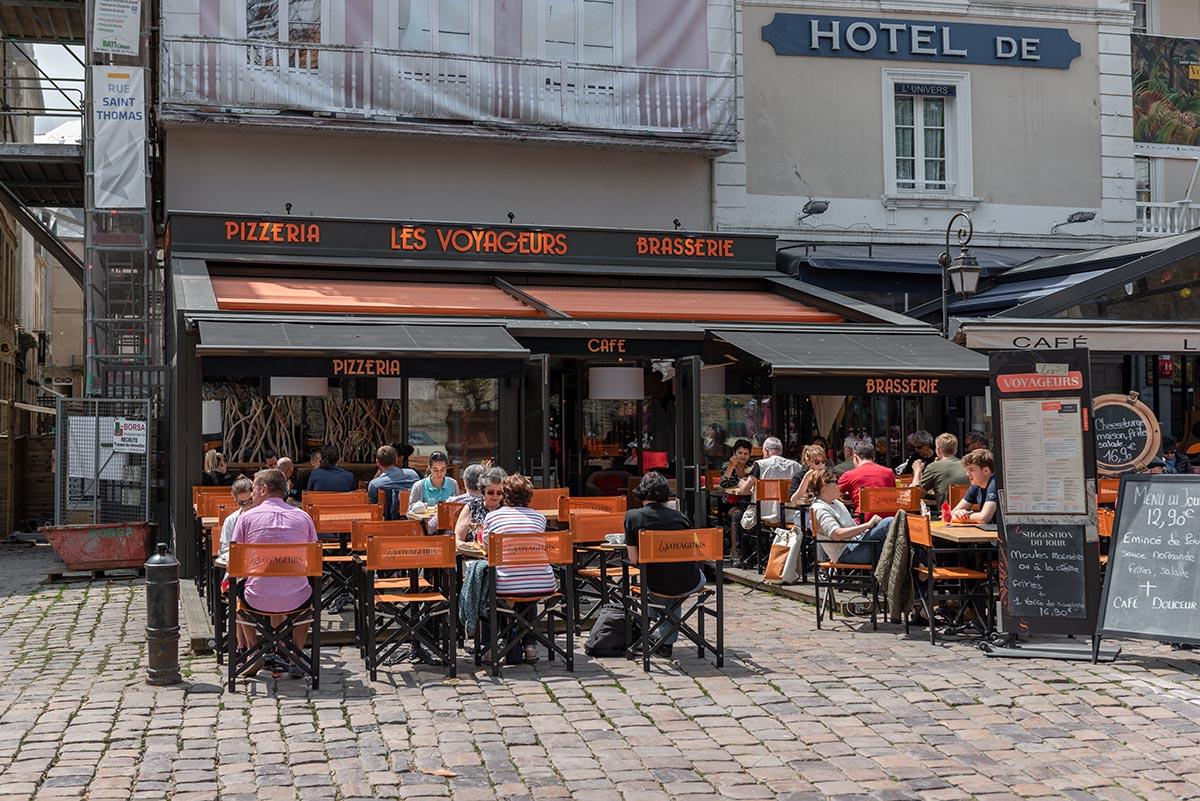 Brasserie Les Voyageurs | Little Miss Turtle | Wheelchair Travel Blog