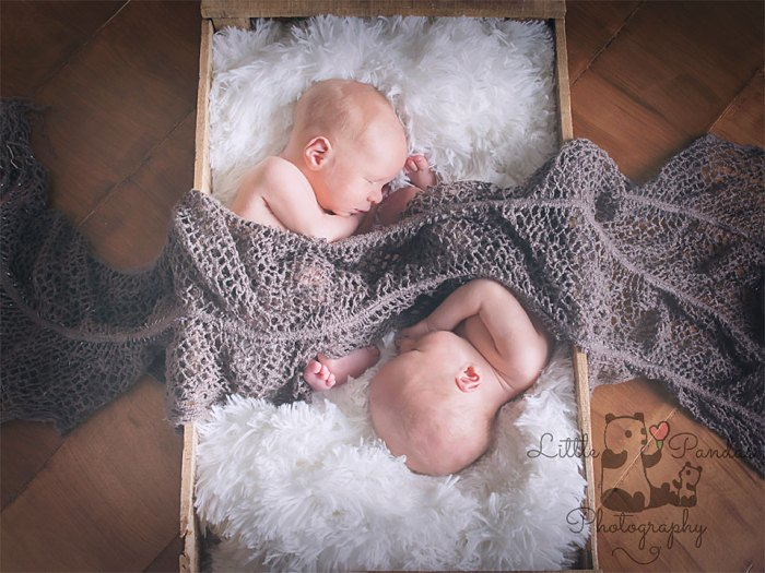 twin boys top and tail