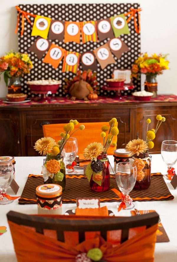 Thanksgiving Day Table Centerpieces