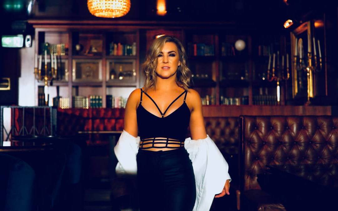 Country songstress Natalie Pearson launches into 2020 with a banger of a single 'Let 'Em Talk'