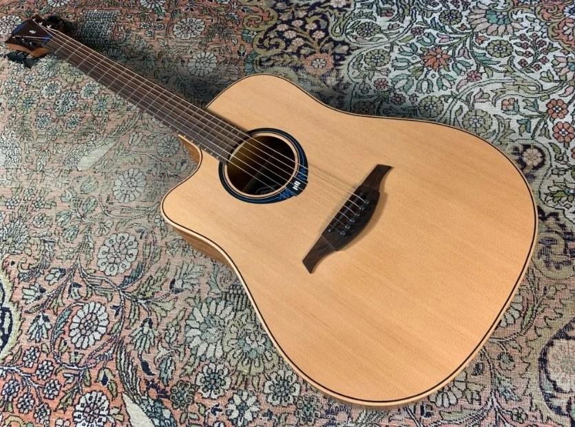 Une guitare connectée et française