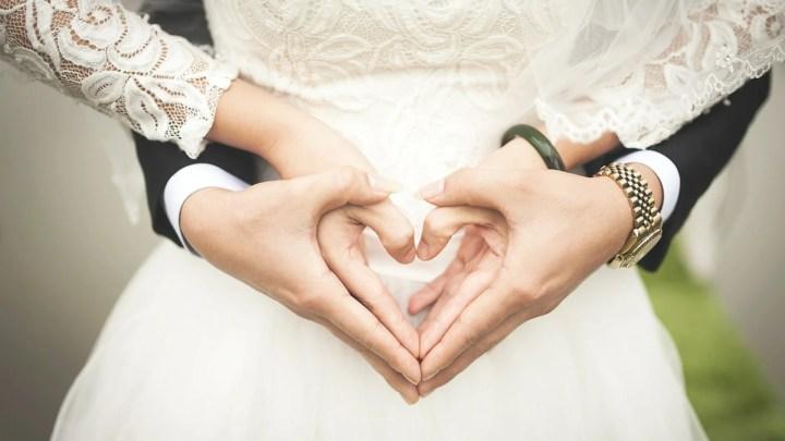 Organisation de mariage : on craque pour un faire-part rouge !