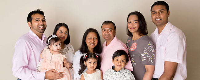 extended family studio photos
