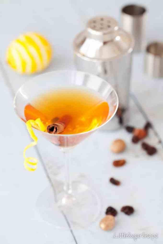 Hot Cross Bun Easter Martini
