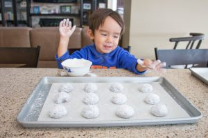 chocolate-crinkle-cookies-3