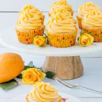 Tropical Mango Vanilla Cupcakes (video)