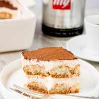 Easy Eggless Tiramisu (video)