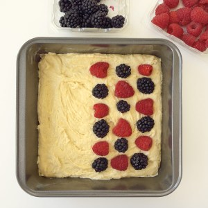 Mixed Berry Streusel Cake