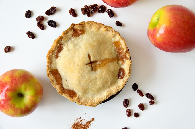 Small Spiced Apple Pie