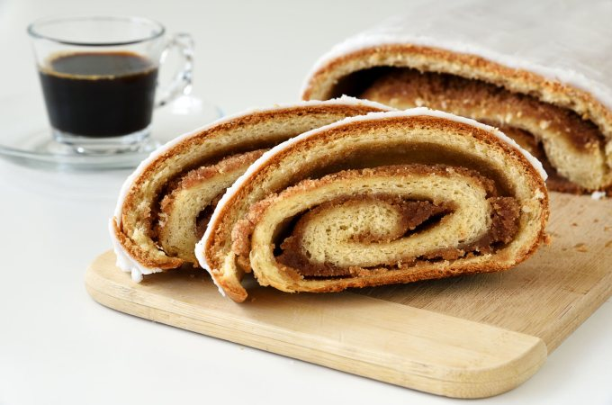 Almond Cinnamon Yeast Strudel