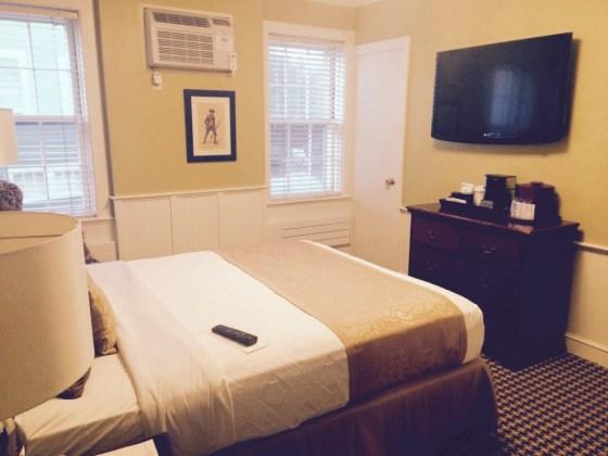 Bedroom Colonial Inn
