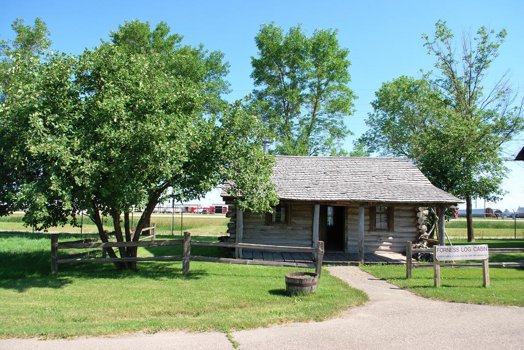 Bonanzaville USA Log Cabin