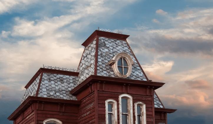 Na dachu MET