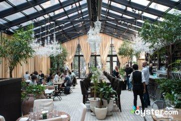 restaurants-bars-v1982211-92-720