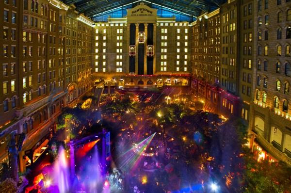 Ultimate Vegas Wedding Venue Guide Sam S Town 187 Little