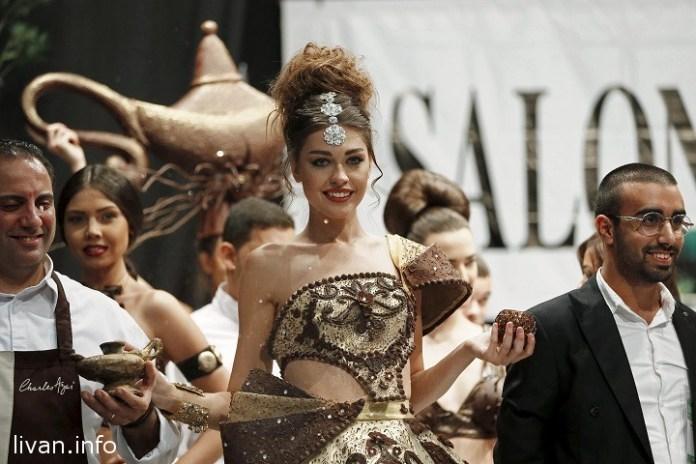 Показ шоколадных нарядов в Бейруте на Fashion Show