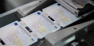 Рада одобрила закон про оформление паспорта с 14 лет