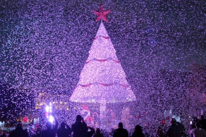 Новогодняя ёлка в городе Згарта