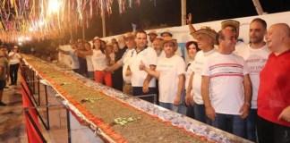 Ливан побил рекорд по самому длинному маноуше с затаром.