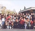 戦争孤児たちを不憫に思い養育する  第 577 号