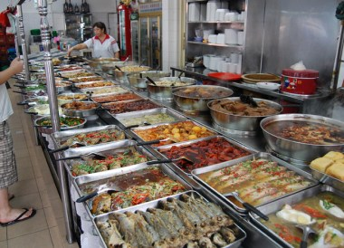 Singapore Hawker Food, Where to Stay in Singapore on a Budget