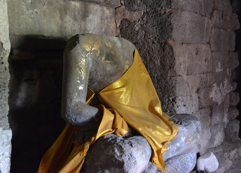 Headless Buddha, Lopburi Monkey Town in Thailand, Southeast Asia