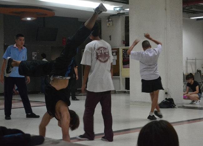 Break Dancing SPU University, Bangkok Student Life in Southeast Asia