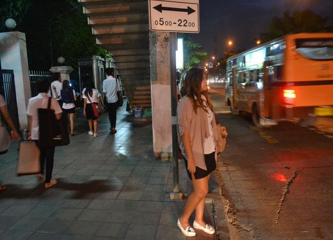 Sripatum SPU Bus Stop, Bangkok Student Life in Southeast Asia