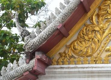 Wat Tri Thotsathep Worawihan - Bangkok Temple - Lai Thai on Wihan