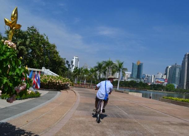 Rental Bike, Benjakiti Park Bangkok, Park Life in Southeast Asia