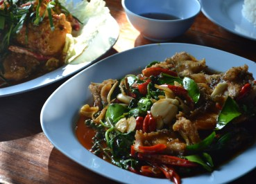 Pla Pad Cha Tawan Ngam, Nang Rong Food Tour in Isan Eating in Thailand