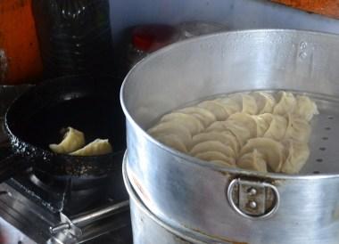 Cooking Momo Dumplings, Himalayan Food, Eating in the Himalayas, Sikkim