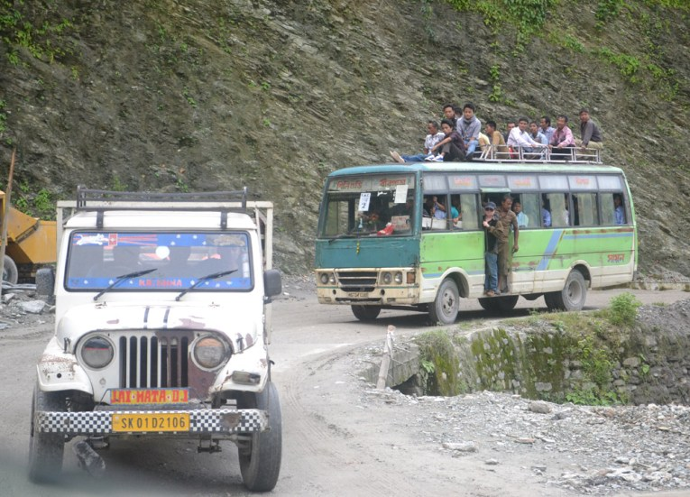 Travel to Sikkim, Taxi to Gangtok from Bagdogra, NJP, Road to Sikkim