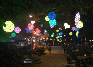 Nightlife on Koh Samet Island, Rayong, Travel in Eastern Thailand