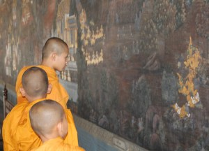 Buddhist Monks at Grand Palace, Top 10 Bangkok Attractions, Experiences Thailand
