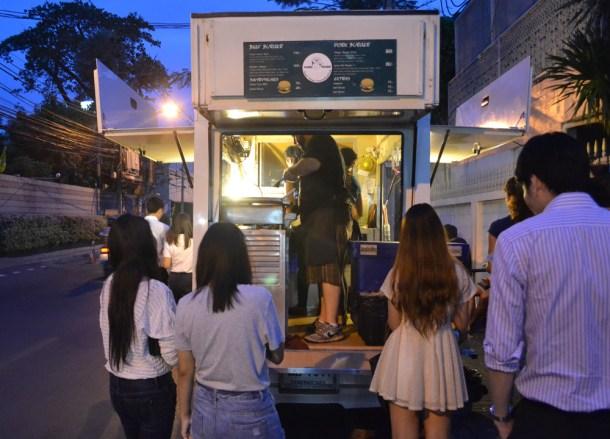 Daniel Thaiger Gourmet Food Truck, Sukhumvit 38 Street Food, Bangkok