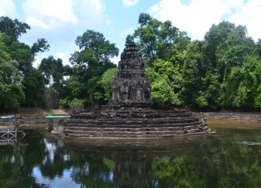 Neak Pean Temple, Introduction to Angkor Wat Two Day Tours