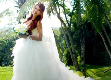 Happy Bride in Bali, Best Low Cost Carrier in Southeast Asia