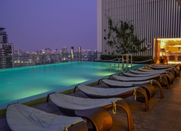 Infinity Swimming Pool, Hilton Sukhumvit Bangkok Phrom Phong Em District