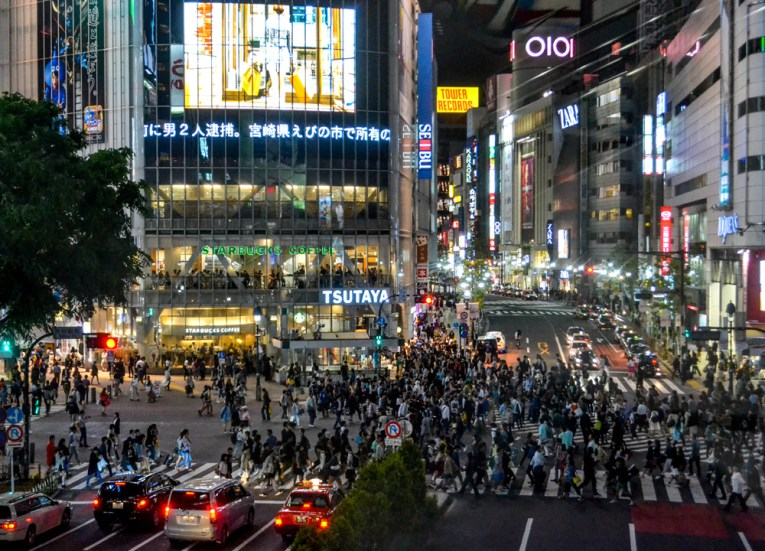 Shibuya Crossing, Best Themed Cafes and Restaurants in Tokyo