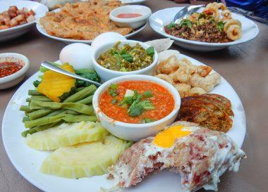 Tong Tem Toh, Asian, Chinese Food on Nimman Road Chiang Mai Thailand