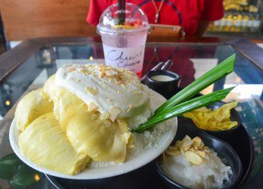 Cheevit Cheeva, Asian, Chinese Food on Nimman Road Chiang Mai Thailand