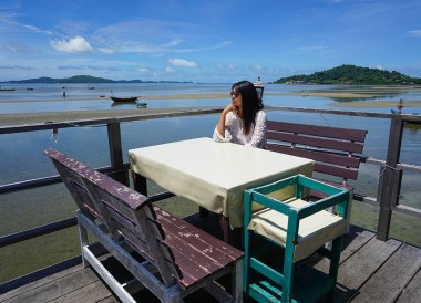 Restaurants at Ban Phe Pier in Rayong, Travel in Eastern Thailand
